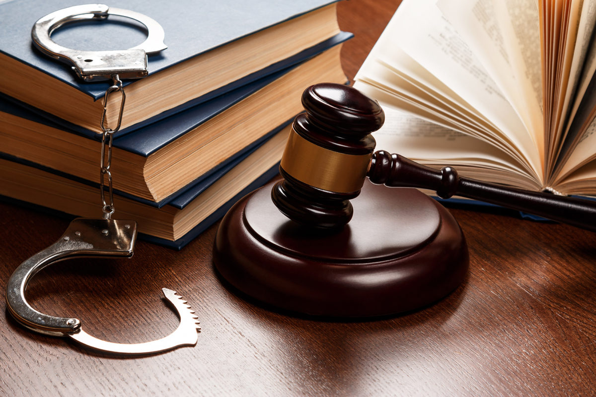 Follow the Right Steps to Choose the Best Criminal Defence Attorney